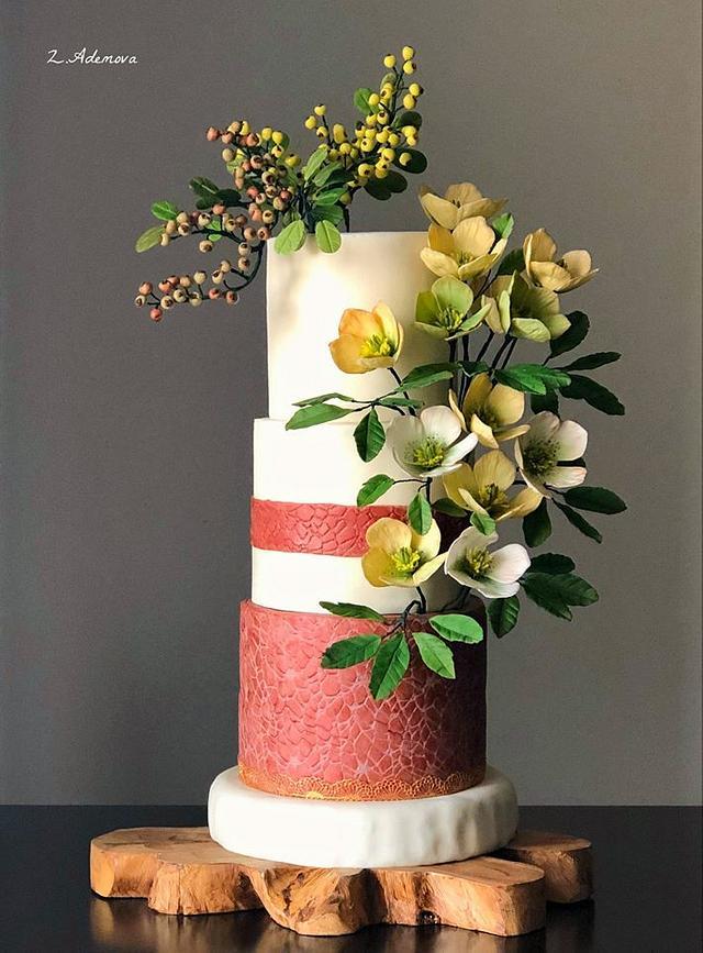 Winter Helleborus niger and berries cake!...