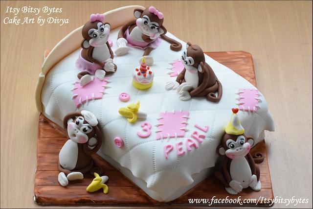 Five Monkeys Cake