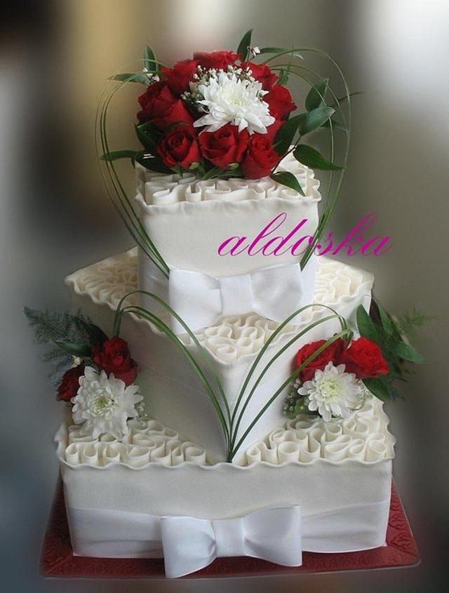 """Curly"" wedding cake"