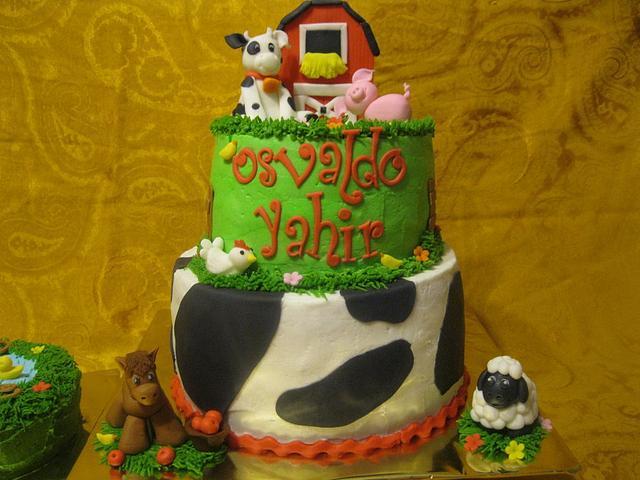 Enjoyable Barnyard Birthday Cake By Monsi Torres Cakesdecor Funny Birthday Cards Online Inifodamsfinfo