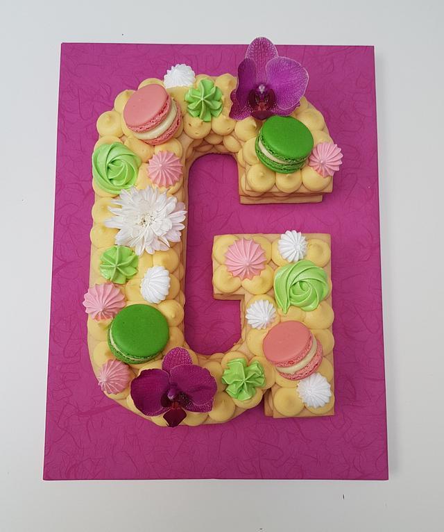 Alphabet cake - letter G