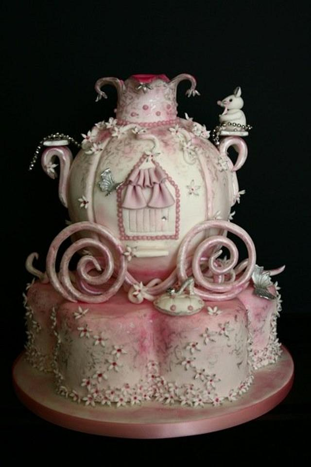 Birthday Cake : Fit for a princess