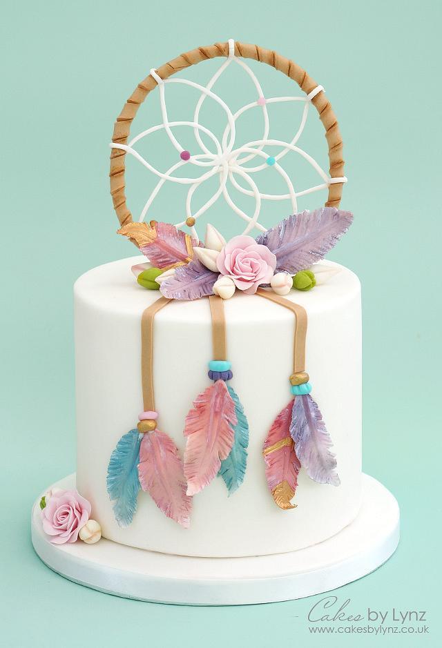 Dream Catcher Cake with gumpaste feathers