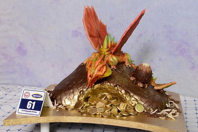 DRAGON CHOCOLATE CAKE