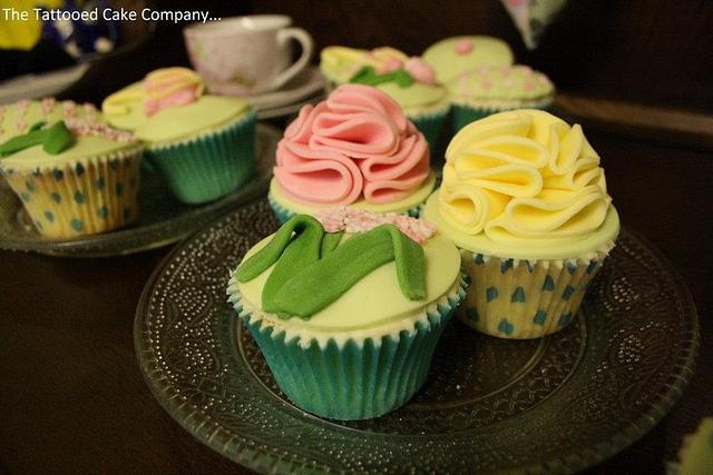 Fondant ruffle cupcakes