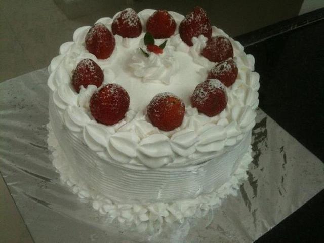 White Chritmas Cake