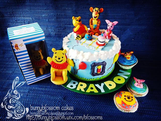 Teddy picnic cake
