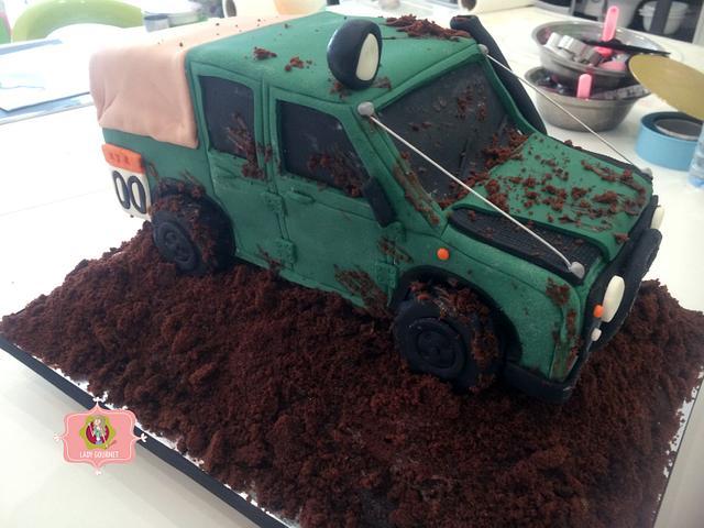 Defender Jeep Cake