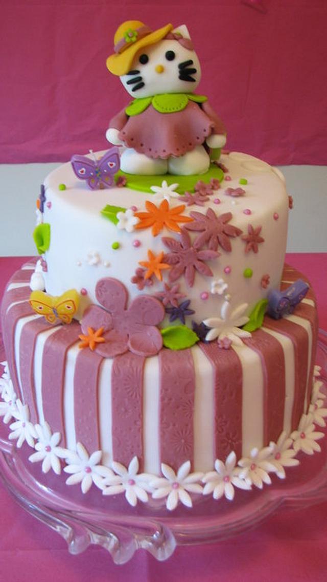 Terrific Hello Kitty 1St Birthday Cake Cake By Littledzines Cakesdecor Personalised Birthday Cards Veneteletsinfo