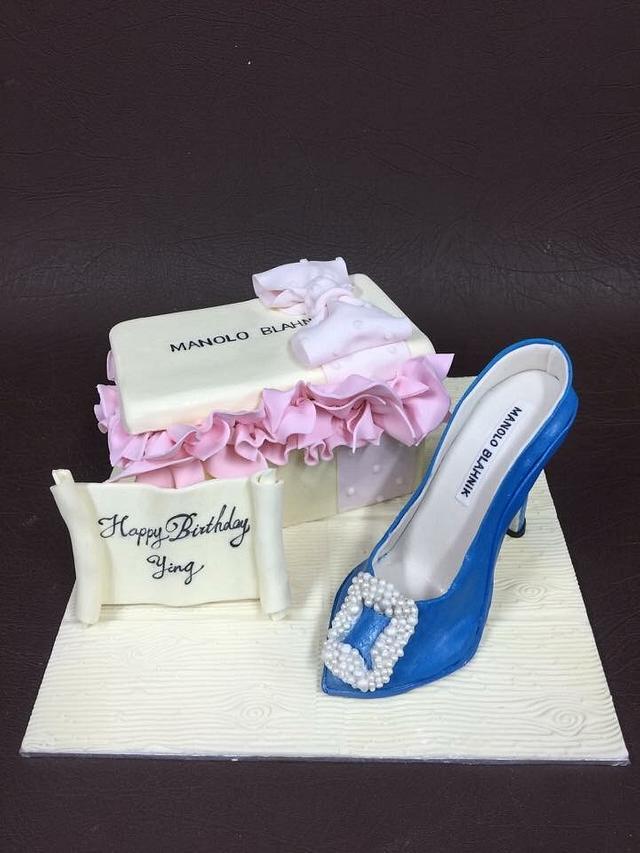 Mk shoe cake