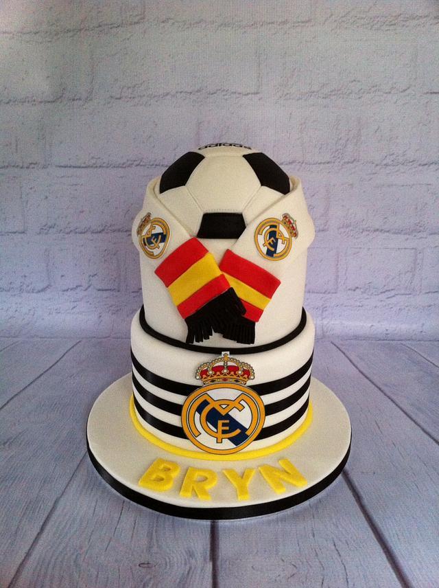 Awesome Real Madrid Cake Cake By Amanda Sargant Cakesdecor Funny Birthday Cards Online Elaedamsfinfo