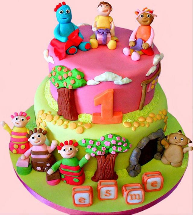Esme's In The Night Garden Cake