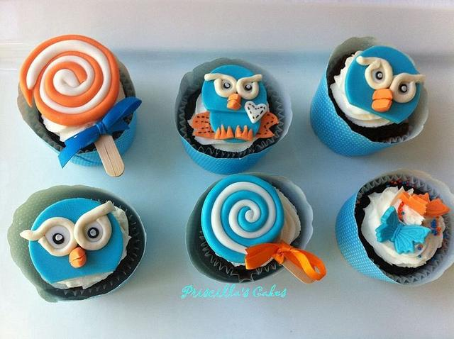 Hoot themed cupcakes