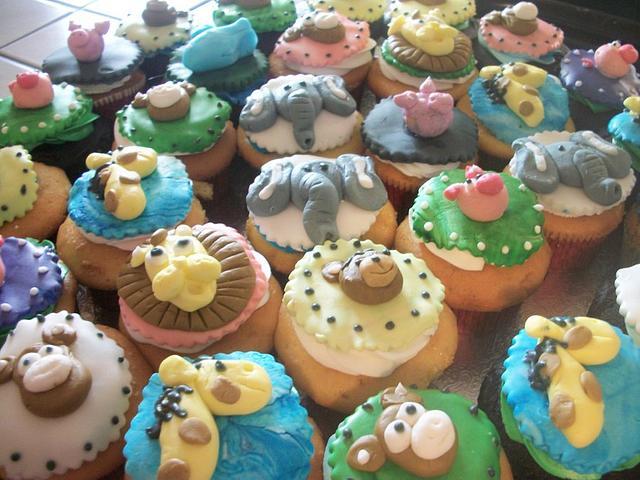 Animal cupcakes Enchanted Cakes