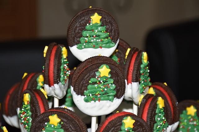 Christmas Oreo Cookies