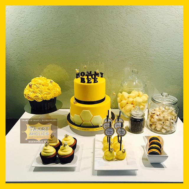 Mommy to bee Sweet table