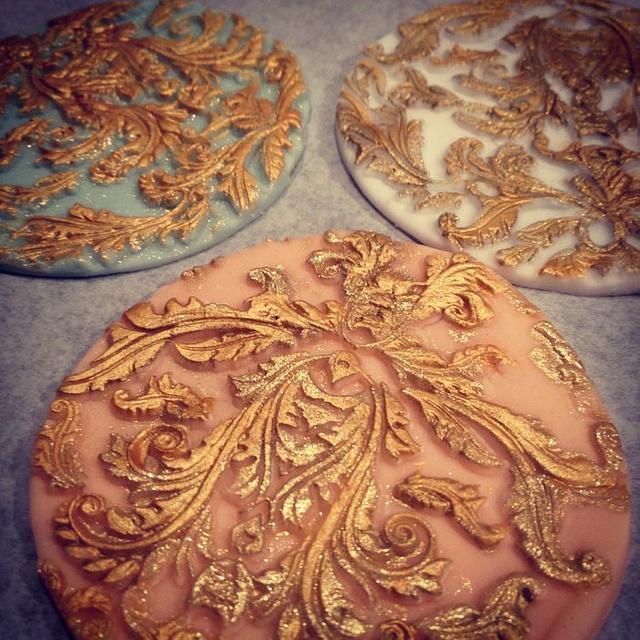 vintage gilded cookies