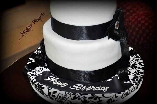 black and white theme cake!!
