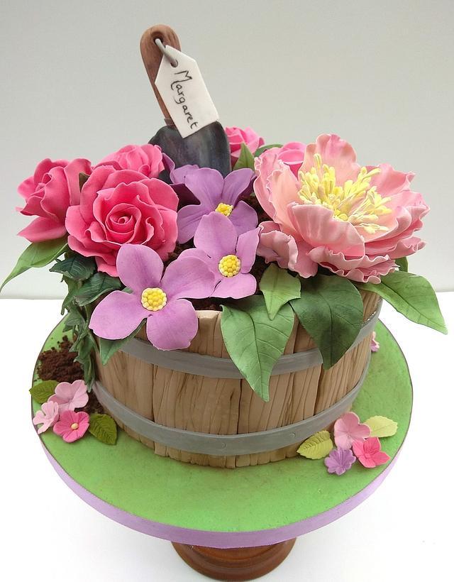 Surprising Gardening Birthday Cake Cake By The Rosehip Bakery Cakesdecor Funny Birthday Cards Online Overcheapnameinfo