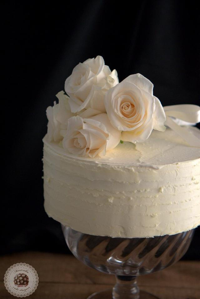 White naked wedding cake - Mericakes