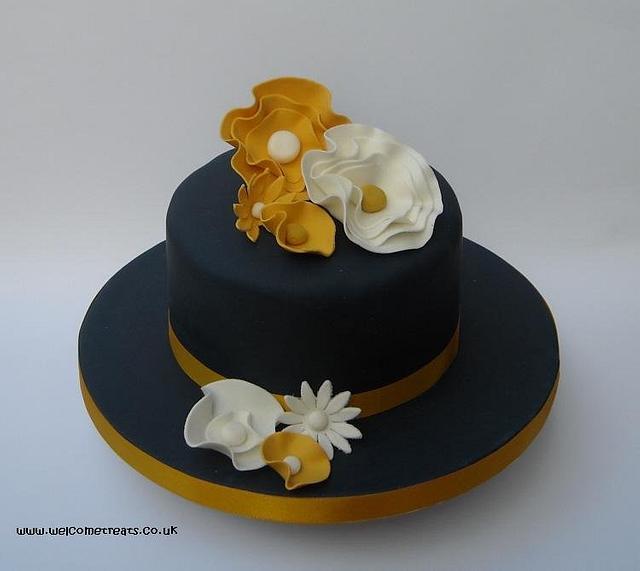 Navy & Gold Cake