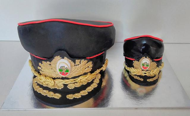 General's hat and small general's hat