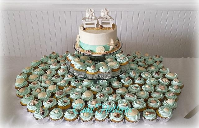 Beachy Wedding Cupcakes and Cutting Cake