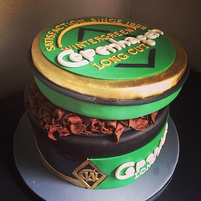 Grooms Cake A Can Of Copenhagen Dipping Tobacco Cake