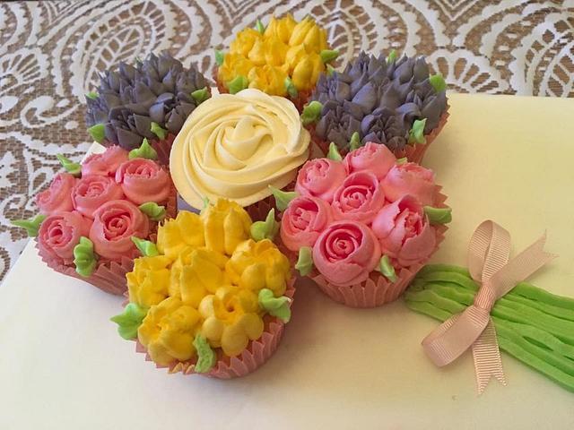 Cupcake Cake board + Cupcake Box
