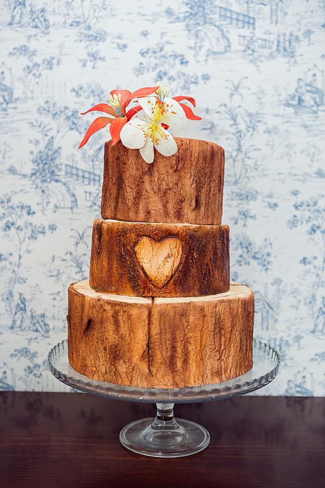 TRUNK WEDDING CAKE