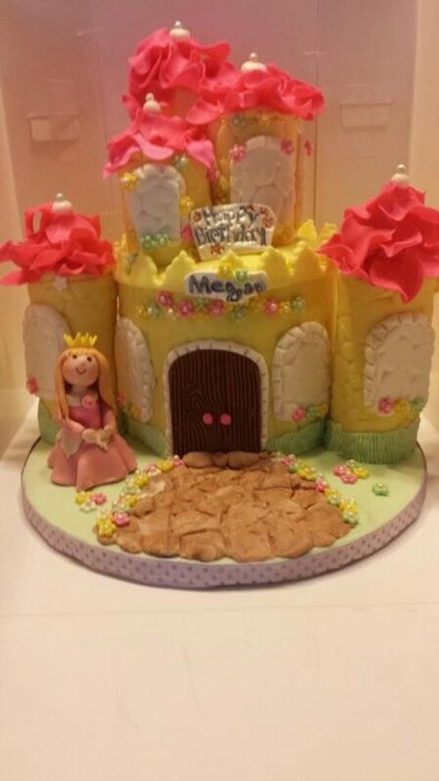 Excellent Birthday Cake For A 6 Years Old Girl Cake By Sally Cakesdecor Funny Birthday Cards Online Unhofree Goldxyz