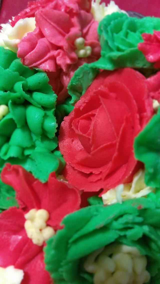 Christmas buttercream cake