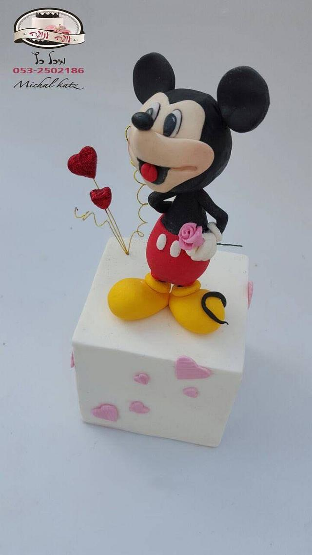micky is in love