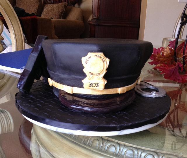 Pleasant Policemans Birthday Cake By Aida Casanova Cakesdecor Funny Birthday Cards Online Hendilapandamsfinfo