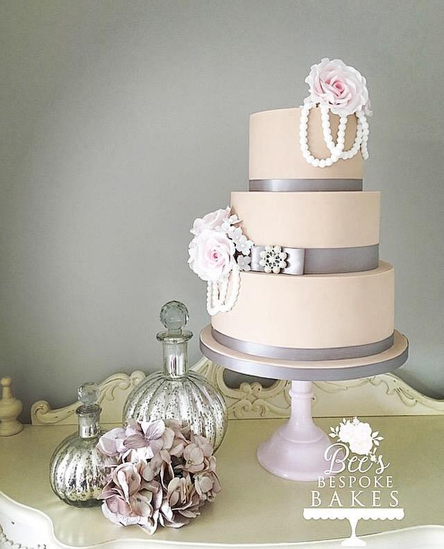 Roses, pearls, ribbons and brooches