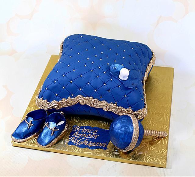 Royal baby pillow cake