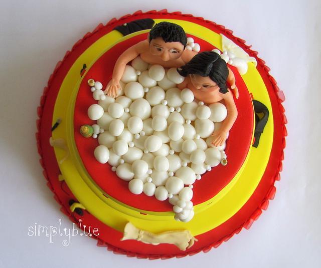 Wedding cake jacuzzi