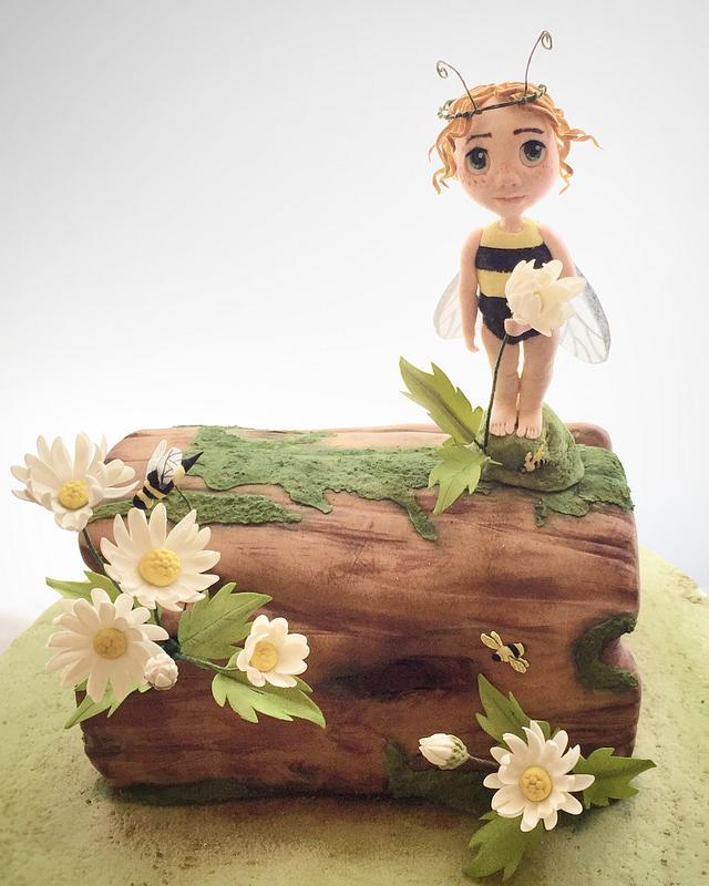 Bee fairy log cake