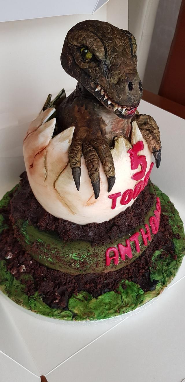 T rex dinosaur cake