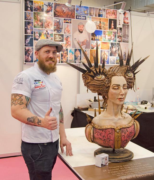 Live sculpting at Cake & Bake Germany