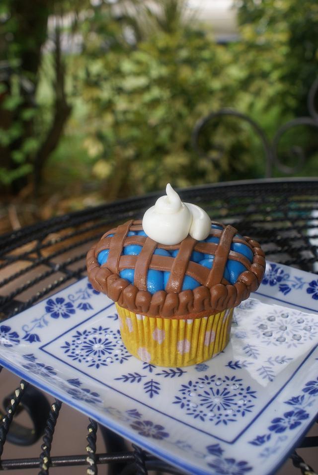 Blueberry Pie cupcake