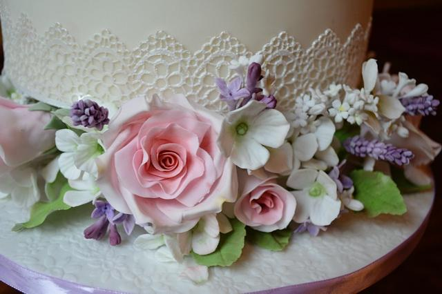 Sugar flowers and lace