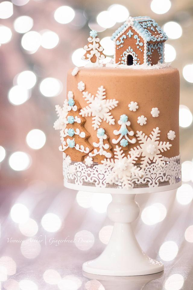 Gingerbread Rolled Fondant Cake