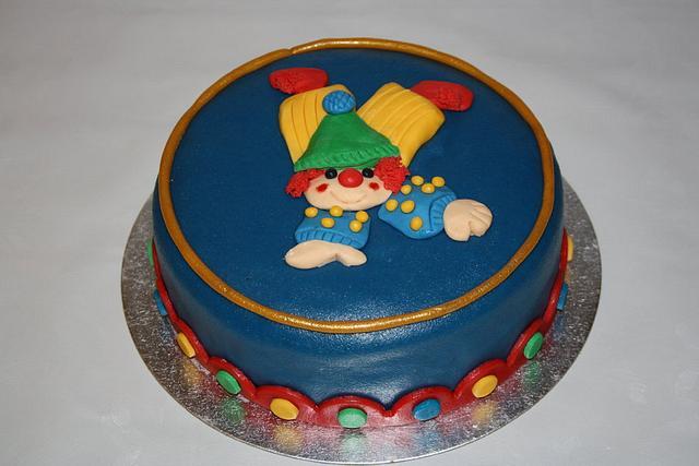 Chearful birthday clown