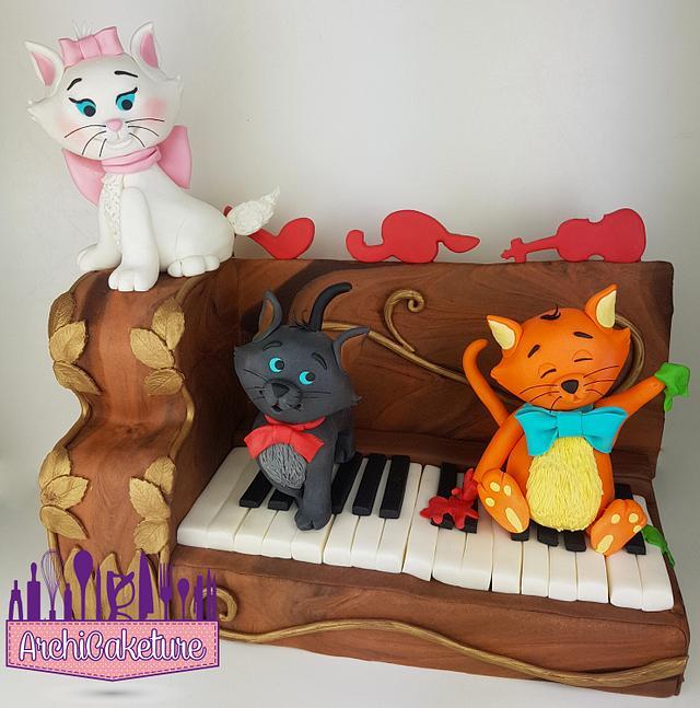 ARISTOCATS CAKE <3