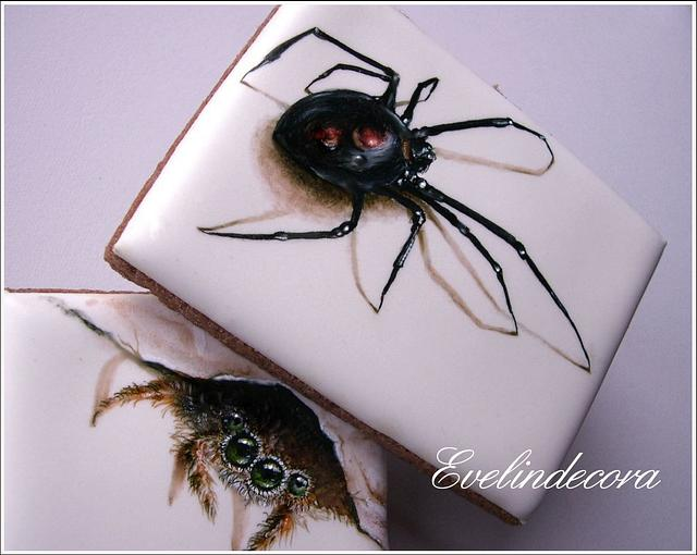 Icing cookies: spiders