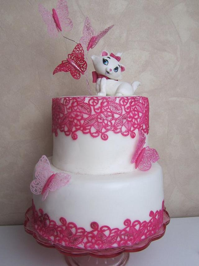 Butterfly Lace Cake with Marie from Aristocats