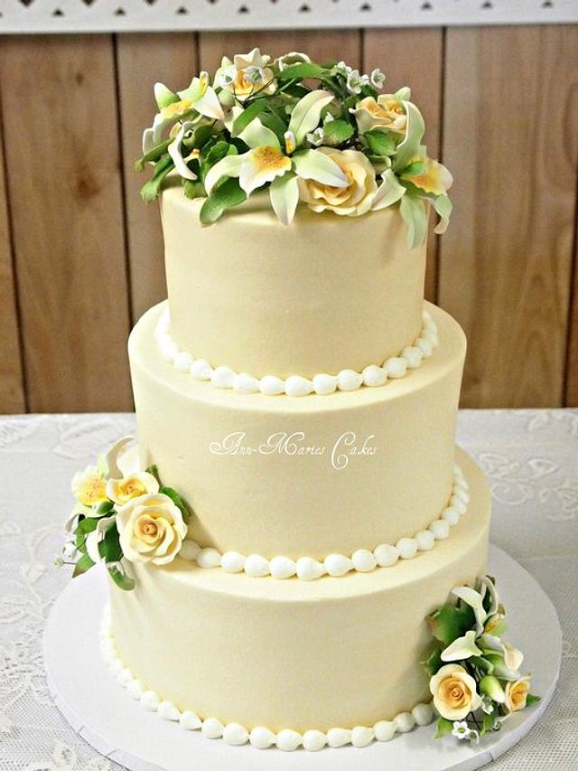 Ivory and Green Wedding
