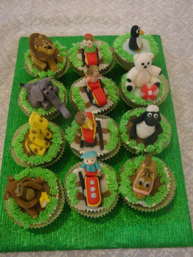 zoo train themed cupcakes