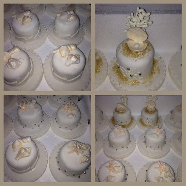Minicakes with sea theme